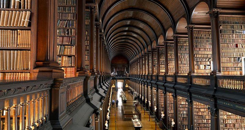 Kitap Kokusu - Kütüphane