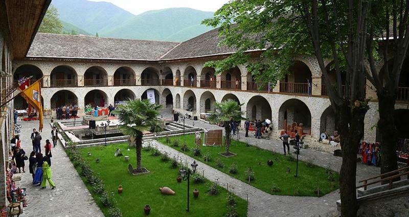 Şeki Han Sarayı