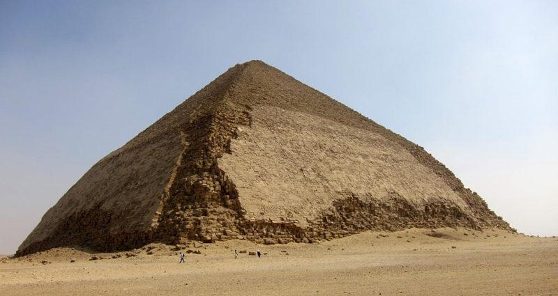 Eğik Piramit