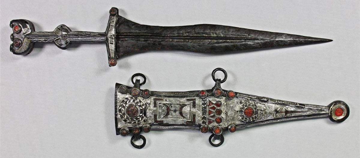 Romalı Asker Gümüş Hançer