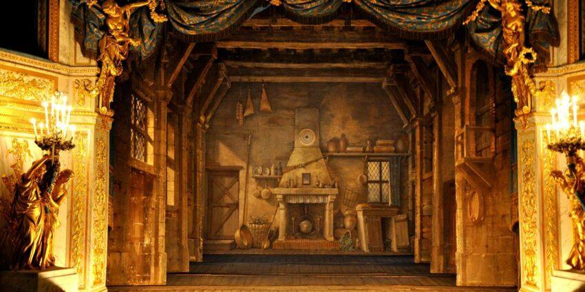 Kadın Tiyatro Sahnesi