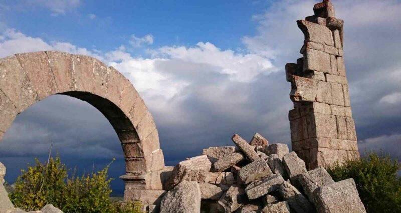 İsaura Antik Kenti ve Zengibar Kalesi