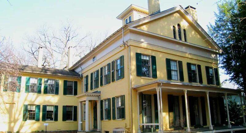 Emily Dickinson ev