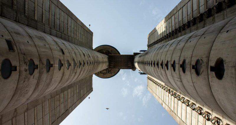 Batı Şehir Girişi - Brütalist Mimari