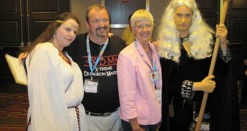 Ejderha Mızrağı Yazarları Margaret Weis Tracy Hickman