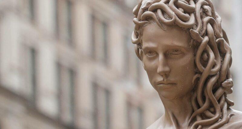 metoo hareketi Medusa with the Head of Perseus heykeli