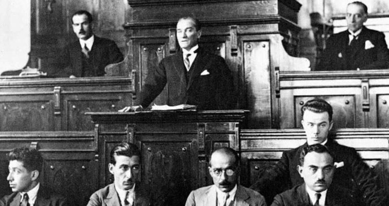 Cumhuriyetin İlanı - Mustafa Kemal Atatürk
