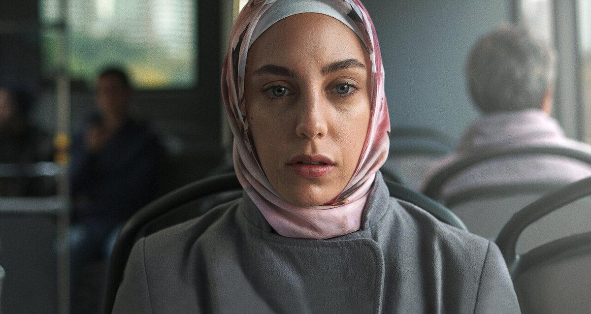 Bir Başkadır İncelemesi Netflix Berkun Oya
