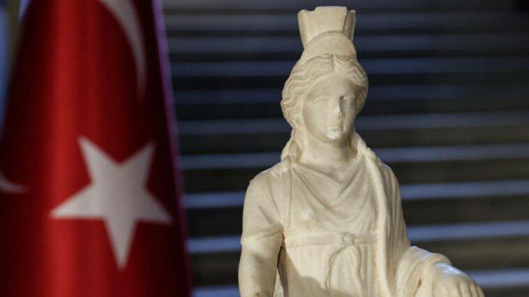 Kybele heykeli türkiye