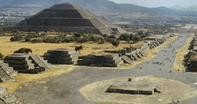 Teotihuacan uygarlığı güneş piramidi