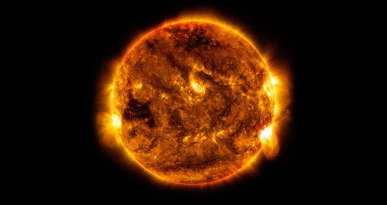 Güneş Hangi Renk?
