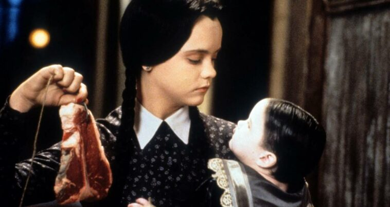 Wednesday dizisi Addams family tim burton netflix