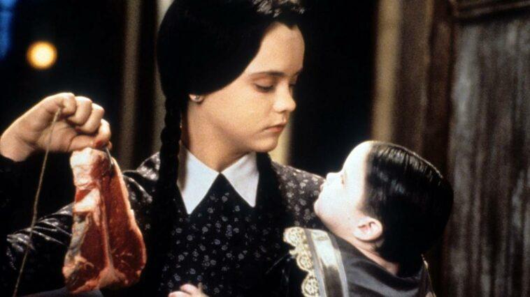 Wednesday dizisi Addams family tim burton netflix
