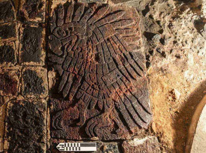 Aztek Tapınağı Kartal Kabartması