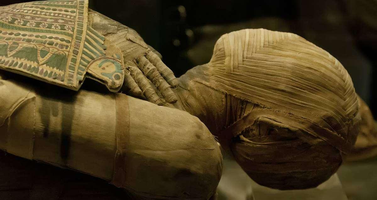 Antik Mısır Mumyalama İşlemi Hakkında Papirüs