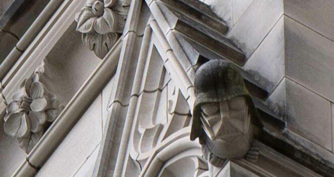 darth vader heykel kilise