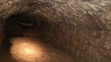 Orta Çağ Kalma Gizli Tünel