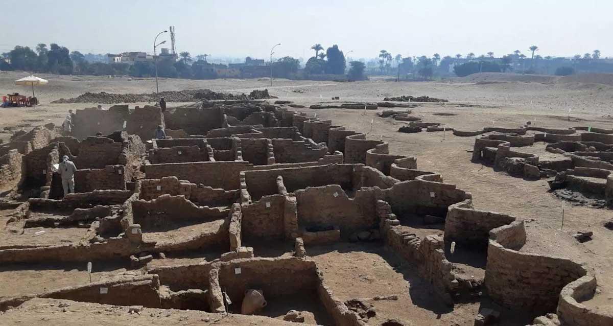 Mısır 3.000 Yıllık Kayıp Altın Şehir