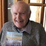 92 yaşında çoksatar şair Gordon McCulloch 101 poems