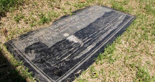 Octavia E. Butler mezar taşı