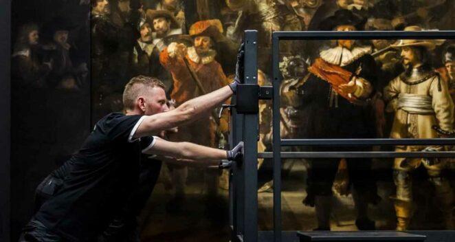Rembrandt tablosu Gece Devriyesi yapay zeka restore