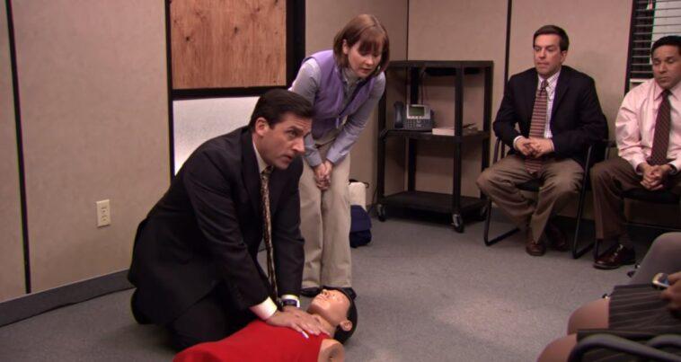 The office hayranı kalp masajı sahnesi izle