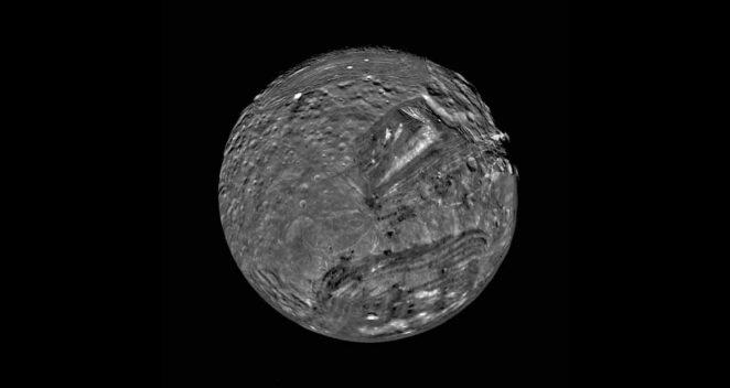 Miranda Güneş Sistemi Tuhaf 10 Uydu