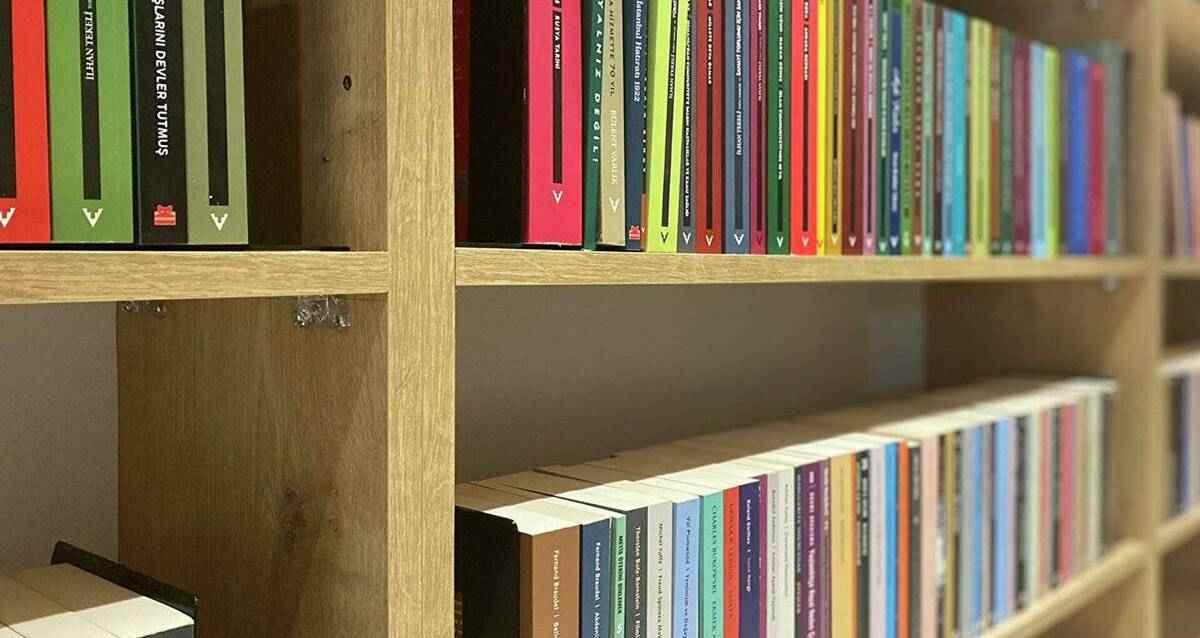 İBB Ödünç Kütüphane istanbul mecidiyeköy meydanı
