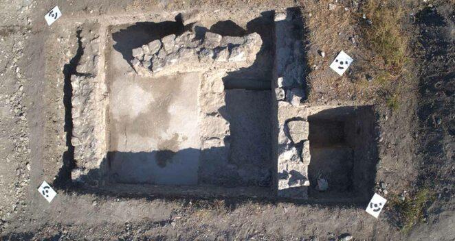 Troya kazıları zemin mozaiği