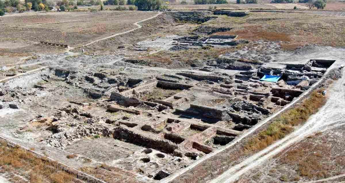 Türk Arkeoloji Tarihi kültepe kazıları günlük